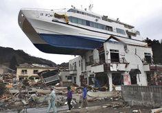 Après le tsunami au Japon 2011.