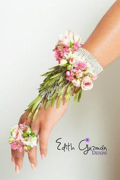 By Edith Guzmán Díaz Photography Manuel Barragán - - - # Prom Flowers, Diy Wedding Flowers, Bridal Flowers, Floral Wedding, Wedding Bouquets, Flower Corsage, Wrist Corsage, Corsage And Boutonniere, Boutonnieres