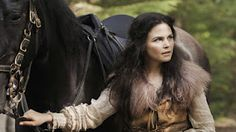 Snow White is so badass on Once Upon a Time!