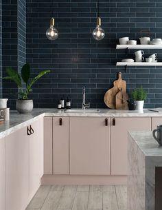 trendy kitchen backsplash with white cabinets subway cupboards Home Decor Kitchen, New Kitchen, Kitchen Design, Kitchen Grey, Blue Kitchen Tiles, Brass Kitchen, Pink Kitchen Walls, Pink Kitchen Cupboards, Kitchen Subway Tiles