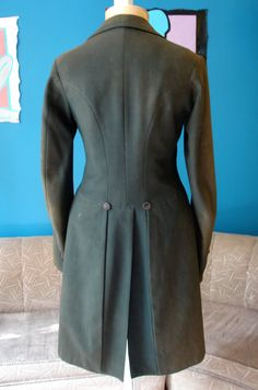 box pleats on the back of a frock coat