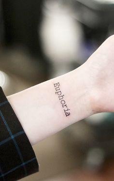 The Best Minimalist Tattoo Ideas - My Minimalist Living Kpop Tattoos, Army Tattoos, Korean Tattoos, Mini Tattoos, Small Tattoos, Cute Little Tattoos, Pretty Tattoos, Beautiful Tattoos, Finger Tattoos