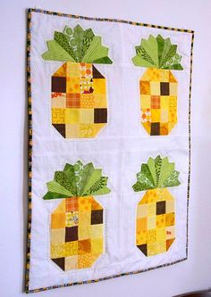 = tutorial = a cute Pineapple Quilt by Beth Novak as seen at Havel's Sewing