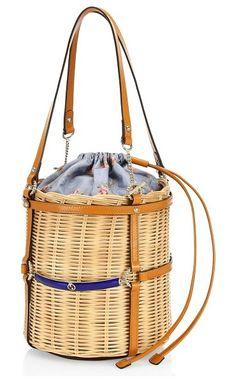 7c5957a02014 Gucci cestino straw small bucket shoulder bag. #gucci Net Fashion, Fashion  Bags,