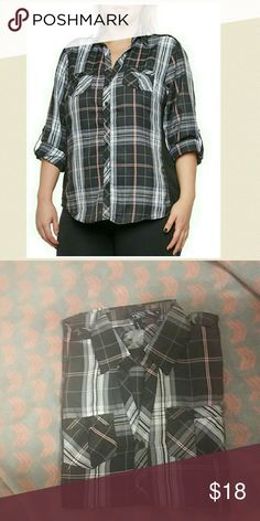 Plus size plaid top NWT Burgundy colors mixed with black and gray plaid patterns with 3/4 sleeves and regular collar 95%poly and 5% spandex.fits true to size. PRICE IS FIRM NO FURTHER DISCOUNTS Tops