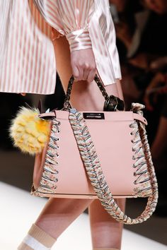 See detail photos for Fendi Spring 2017 Ready-to-Wear collection.
