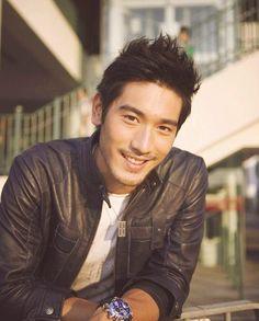Godfrey Gao. Hellloooo, Magnus Bane >:)
