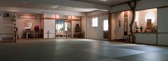 Traditional Japanese Dojo, It is the space that is reserved for martial arts training. A traditional Japanese dojo is spartan. It should be free of distractions and extraneous materials. Japanese Dojo, Japanese House, Kendo, Karate Dojo, Japan Architecture, Martial Arts Training, Japan Design, Hall Design, Japanese Culture