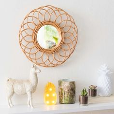 Round Rattan Mirror D 34 on Maisons du Monde. Take your pick from our furniture and accessories and be inspired! Teen Furniture, Hallway Furniture, Rattan, Sun Lounger Cushions, Decorative Storage Boxes, Style Deco, Lantern Candle Holders, Sunburst Mirror, Quilted Bedspreads