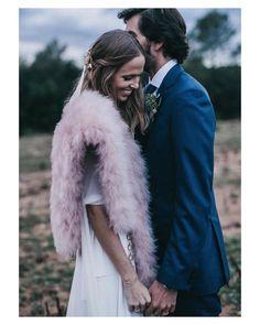 Abrázame muy fuerte y no me sueltes  { by @serafin_castillo}. #goodnight #buenasnoches #couple #amor #hug #wedding #weddingday #boda #bride #bridetobe #bridal #novia #groom #mariee #vestidodenovia #teresahelbig #weddingdress #photography #photoshoot #inlove #amazing #espectacular #beautiful #stunning #weddinginspiration #inspiration #love #like #picoftheday #siempremia