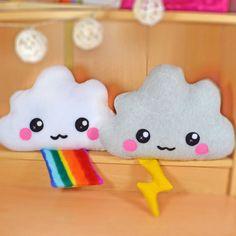 Cloud plush toy / novelty soft pillow / kawaii cushion by Plusheez Cute Pillows, Soft Pillows, Decorative Pillows, Kawaii Crafts, Cute Plush, Arts And Crafts, Diy And Crafts, Kawaii Cute, Felt Crafts