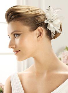 137.61$  Buy now - http://virxg.justgood.pw/vig/item.php?t=xx4kvjr54207 - PRONOVIAS HEAD PIECE FL-2436 Flower