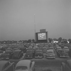 See a drive in movie. Those Were The Days, The Good Old Days, Back In Time, Back In The Day, Old Photos, Vintage Photos, Vintage Tv, Vintage Tools, Vintage Vibes
