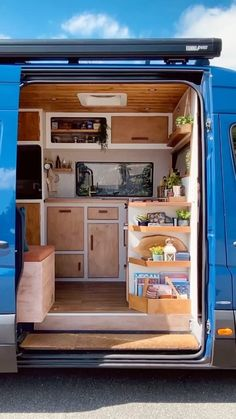 True Car, Bus Living, Back To Nature, House On Wheels, Vw Bus, Camper Van, Van Life, Tiny House, Layout