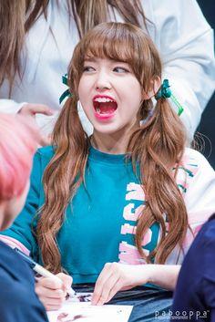 WJSN SeongSo (Cheng Xiao) Cute Korean, Korean Girl, Asian Girl, Kawaii Hairstyles, Girl Hairstyles, Pop Hair, Sketch Poses, Cheng Xiao, Foto Jungkook