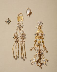 A Closer Look at Schiaparelli's Surrealist Couture Jewelry - Oversize chandelier earrings made from repurposed brass and crystal vintage jewelry Ancient Jewelry, Antique Jewelry, Vintage Jewelry, Handmade Jewelry, Viking Jewelry, Brass Jewelry, Jewelry Art, Jewelry Accessories, Jewelry Design