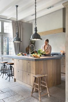 55 Smart Innovative Kitchen Island Ideas and Designs to Makeover Your Home - Contemporary Modern Kitchen Small Kitchen Ideas, DIY, Kitchen Remodel - Designblaz Kitchen Renovation, Rustic Kitchen Design, Rustic Kitchen, Kitchen Remodel, Kitchen Island Design, Home Kitchens, Rustic Modern Kitchen, Kitchen Design, Kitchen Interior