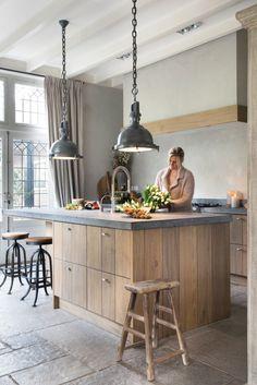 Tips en ideeen voor het inrichten van een leefkeuken. Hoe doe je dat? Doe inspiratie op voor jouw eigen leefkeuken/woonkeuken bij MakeOver.nl