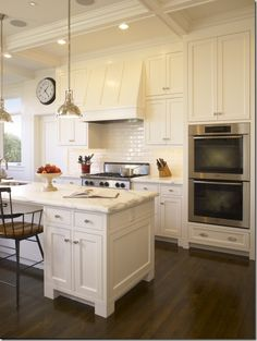 dark wood floor/white cabinets---what I've always wanted for my kitchen! Now I have a pic to show kc lol