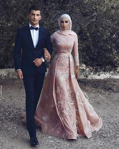 Middle East 2018 Long Sleeve Mermaid Prom Dresses Overskirts Berta Bridal Gowns Luxury M Muslim Prom Dress, Hijab Prom Dress, Poofy Prom Dresses, Hijab Gown, Muslim Wedding Dresses, Modest Dresses, Wedding Attire, Day Dresses, 50s Dresses