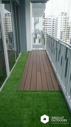 Artificial Grass and Decking - All About Balcony Small Balcony Design, Small Balcony Garden, Small Balcony Decor, Terrace Design, Balcony Ideas, Small Balconies, Balcony Gardening, Apartment Balcony Garden, Apartment Balcony Decorating