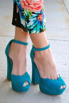 Teal Scalloped Heels <3