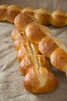 Leserwunsch: Semmellänge (Zeilensemmel - Backen & Co - Bread Bun, No Yeast Bread, Bread Rolls, Savoury Baking, Bread Baking, Bread Recipes, Baking Recipes, German Bread, Our Daily Bread