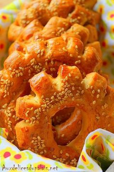 treats the Moroccan brioche Kaak (Kâak khamer) – nanny – # … - nizy for new year Food Network Recipes, Wine Recipes, Cooking Recipes, Beignets, Morrocan Food, Algerian Recipes, Ramadan Recipes, Arabic Food, Arabic Sweets