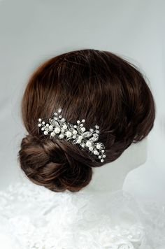 pearl hair comb, bridal hair comb, wedding hair comb, bridal hair piece, silver leaf hair, pearl comb, vintage hair comb, art deco hair comb  For