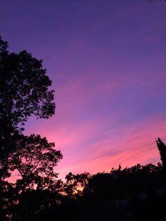 segala gambar adalah milik ownereditor bukan milik author Feel f Sky Aesthetic, Purple Aesthetic, Sunset Lover, Sunset Sky, Pretty Sky, Beautiful Sunset, Sunset Wallpaper, Purple Sky, Sky View