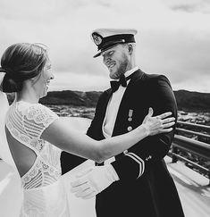 BRYLLAUP   Norge   Fotograf Gøril Sætre Captain Hat, Weddings, Fashion, Dance In, Moda, Bodas, Fashion Styles, Hochzeit, Wedding