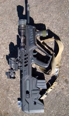 Israeli Weapons Industries Tavor x Halo Spartan, Starship Troopers, Ninja Weapons, 45 Acp, Real Steel, Urban Survival, Assault Rifle, Military Weapons, Guns And Ammo