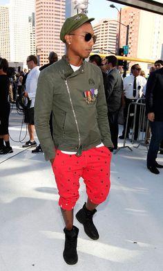 Pharrell Williams Photos - 2010 MTV Video Music Awards - Arrivals ...