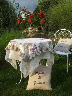 Linen tablecloth www.sashe.sk/shabby.romantic  / Ľanový obrus Butterfly