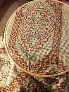 Cross Stitches, Cross Stitch Patterns, T 4, Embroidery Patterns, Fabrics, Couture, Sewing, Crafts, Counted Cross Stitches