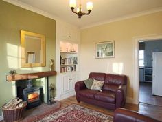 Lighthouse Cottage Happisburgh Lighthouse Cottage offers pet-friendly accommodation in Happisburgh, 27 km from Norwich. The property features views of the garden and is 27 km from Great Yarmouth.  A dishwasher and an oven can be found in the kitchen.