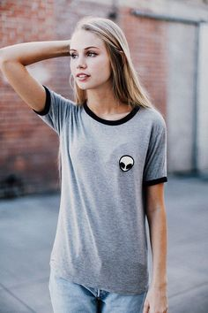 Brandy ♥ Melville | Jessica Alien Patch Top - Graphics