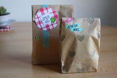 diy sachet en papier craft | Réalisez vous-même de petits sachets cadeaux en papier kraft ...