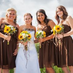 Camouflage Wedding with Sunflowers | Tayler and her bridesmaids carried gorgeous sunflower and daisy ...: