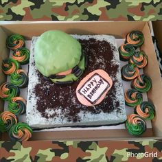 Halo theme cake, Camouflage cupcakes