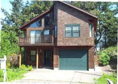 minimum stay for 3 nights (IGNORE this house)Manzanita sleeps 14, large dining room, hot tub, grill, deck, pool table, only 1 block from beach