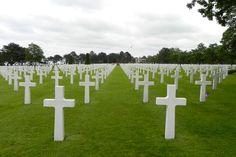 Cimetière Américain ~ Colleville-sur-Mer, région Basse-Normandie. Plus de 9 000 morts... © Claude Gortchakoff