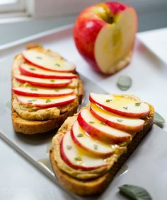 Garlic Hummus & Apple-Sage Tartine makes for an easy autumn snack!