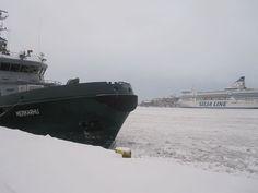 Así nos encontramos el puerto de Helsinki hace unos años. Totalmente congelado!