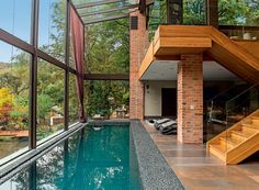 piscina-interna-vidro-arkitito.jpg (620×455)