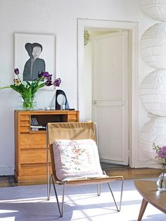 Elegant Parisian Apartment Decorating Ideas in Vintage Style by Vanessa Bruno Vanessa Bruno, Bohemian Apartment, Interior And Exterior, Interior Design, French Interior, Turbulence Deco, Deco Boheme, Living Spaces, Living Room
