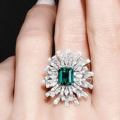 100 Beautiful and Glamorous Luxury Rings for Women Emerald Jewelry, Diamond Jewelry, Jewelry Rings, Jewelry Accessories, Fine Jewelry, Snake Jewelry, Jewellery Box, Emerald Diamond Rings, Emerald Ring Design