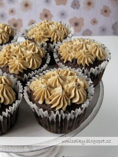 U mlsalky: Kávové cupcakes Cheesecake, Cookies, Breakfast, Food, Crack Crackers, Morning Coffee, Cheesecakes, Biscuits, Essen