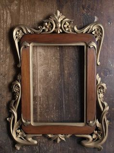 Turn this into a table? Antique Picture Frames, Old Frames, Antique Frames, Wood Carving Designs, Wood Clocks, Oval Frame, Unique Furniture, Wood Art, A Table