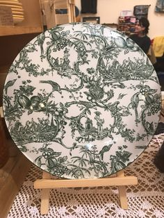 Excited to share the latest addition to my shop: Spode Williamsburg provincial garden cake plate 'Green' Garden Cakes, Funky Junk, Cake Plates, Etsy Shop, Rugs, Trending Outfits, Tableware, Green, Vintage